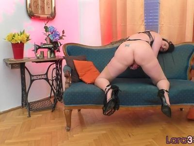 Lingerie euro MILF spreads her ass