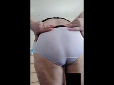 BIG TITS MATURE FLAT ASS
