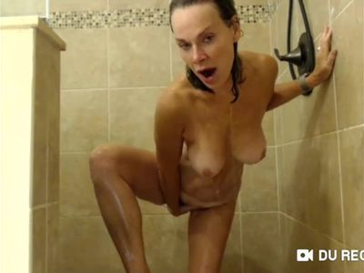 LADYBABS SHOWER SHOW