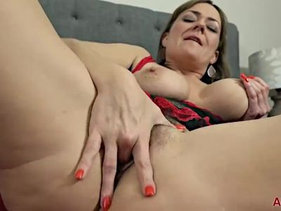 Mature Milf Mom Pushes panties in pussy