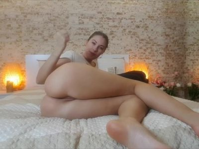 Farting video in French by cute blonde Tanya