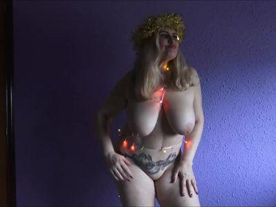 Christmas Hot Dance by Musa Libertina