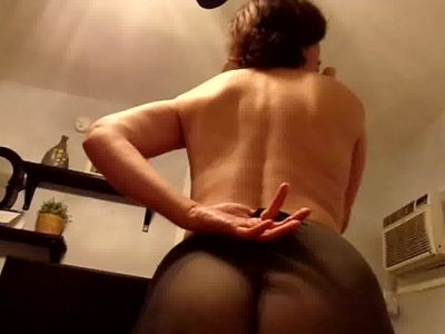 Pantyhose wife shaking Her ass