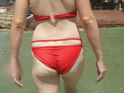 Shel, 43 - her moving sexy milf ass.