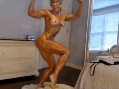 Incredible Oiled Muslcle Milf