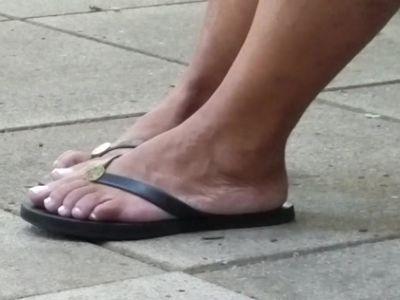 Candid mature ebony feet
