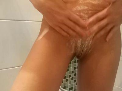 Real amateur Milf shaved pussy Aurora Polaris