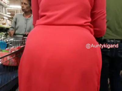 Aunty ki Badi Gand 2