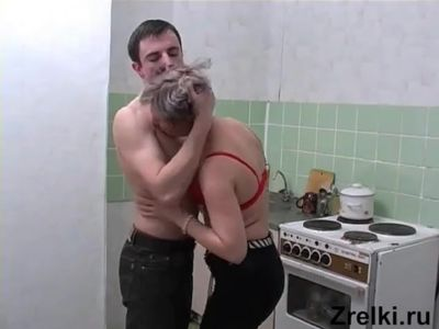 Mature russian mom and young boy kitchen sex